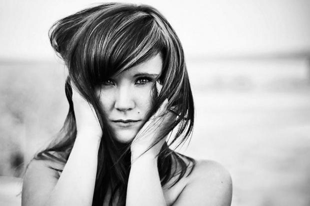 Ciąg dalszy, tak jakoś ostatnio bardziej mi podchodzą zdjęcia czarno-białe, na zyczeie mogę dodać kolor #kobieta #dziewczyna #portret #nikon #passiv #airking