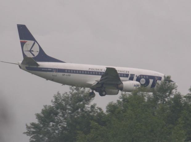 Przykładowe zdjęcie wykonane obiektywem Pentacon 4/300 #boing #samolot