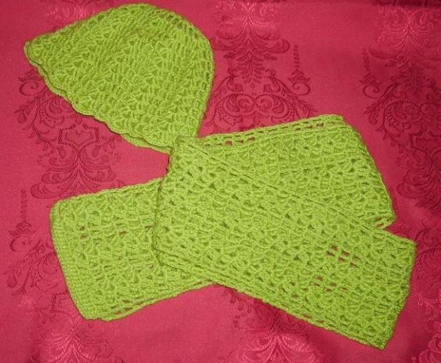 Zielony komplet czapka i szalik