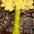 żółte kwiatki - krepina #KwiatyZBibuły #bibuła #krepina #dekoracje #hobby #KompozycjeKwiatowe #MojePrace #pomysły #Agnieszka #pasja #RobótkiRęczne #rękodzieło #moje