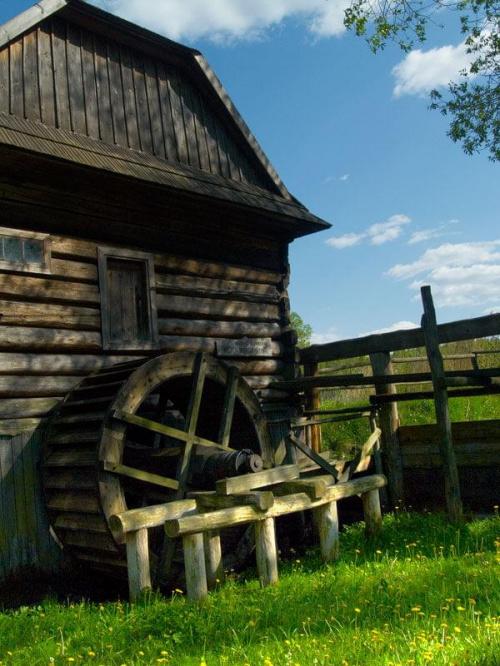 #chałupa #dom #drewniany #Kolbuszowa #młyn #niebo #skansen #StaraChata #trawa #zielona