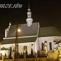 Jędrzejów.Kościół Św. Trójcy w nocnej iluminacji. #Noc #Światło #Iluminacja