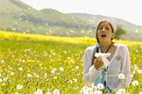 alergia - kobieta w polu