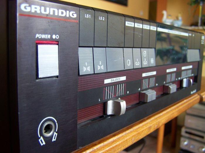 Grundig V35 - Riparazione Display