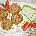 """Pulpety ,, zielone perełki"""" z parowara . Przepisy do zdjęć zawartych w albumie można odszukać na forum GarKulinar . Tu jest link http://garkulinar.jun.pl/index.php Zapraszam. #obiad #pulpety #groszek #mielone #jedzenie #gotowanie #kulinaria"""