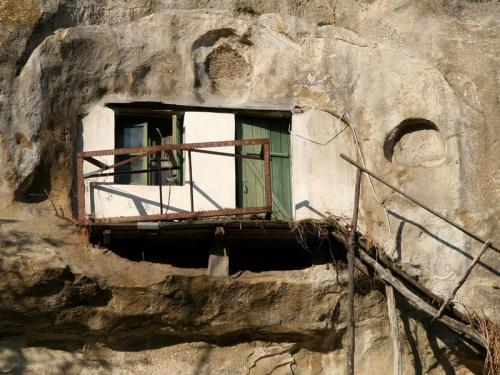 Mieszkanko w skale #ukraina