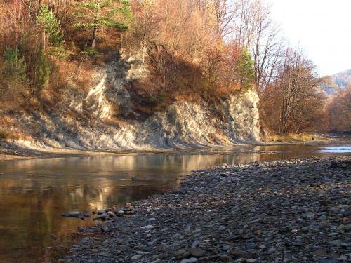 skaliska nad rzeką
