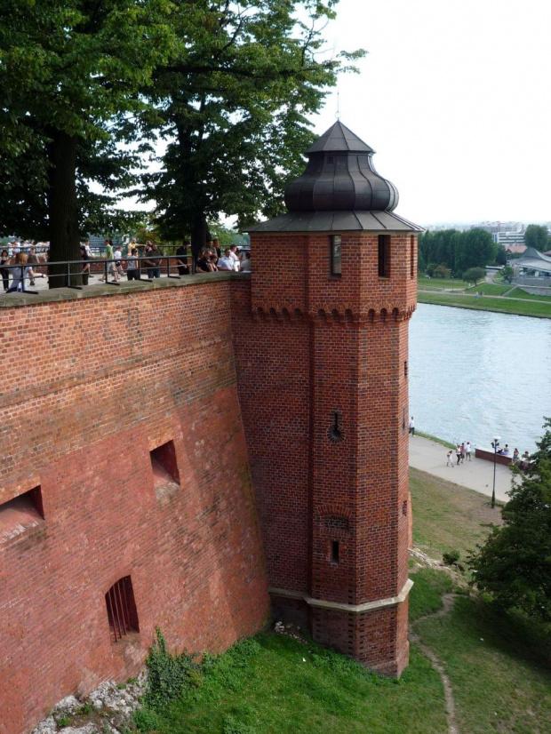 Kraków - Wawel #kraków #wisła #rzeka #rzeki #woda #natura #widoki #widok #architektura #budowle #budowla #zabytki #zabytek