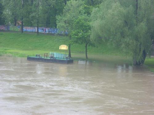 Wrocław- Na Grobli- 19 maja 2010, godzina 13:20-Stan Odry #Wrocław #NaGrobli #zalewiska #Odra