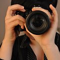 Ona robi piękne zdjęcia... #ludzie #aparaty #dłonie #portrety