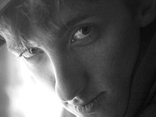 #Olympus #Wola #chłopak #okno #portret