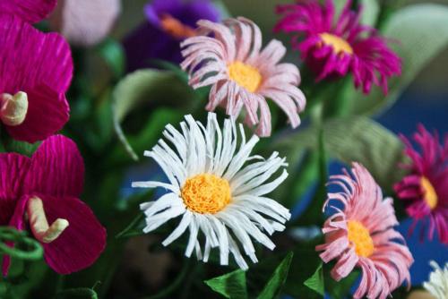 Astry #bibuła #dekoracje #hobby #KompozycjeKwiatowe #krepina #KwiatyZBibuły #MojePrace #pomysły #RobótkiRęczne